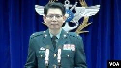 台湾国防部军事发言人罗绍和(美国之音黄耀毅拍摄)
