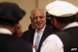 امریکہ کے نمائندہ خصوصی برائے افغان مفاہمت زلمے خلیل زاد حالیہ دنوں میں پاکستان اور افغانستان کا دورہ کر چکے ہیں— فائل فوٹو