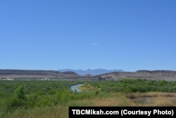 The Rio Grande carves the 1600 kilometer long border between Mexico and the state of Texas.