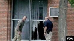 Los hechos no quedaron registrados por que en el lugar no se permiten cámaras de seguridad. El FBI investiga si se trata de un atentado racial.