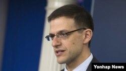 آدام زوبین معاون موقت وزارت خزانه داری آمریکا در امور تروریسم - آرشیو