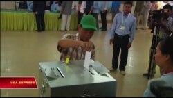 Trung Quốc cam kết hỗ trợ bầu cử Campuchia sau khi EU, Mỹ rút lui