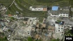 Ðộng đất mạnh xảy ra tại khu vực Tứ Xuyên, Trung Quốc, sáng sớm hôm nay khiến ít nhất 150 người thiệt mạng, ngày 20/4/2013.