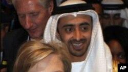 Την υποστήριξη των αραβικών χωρών ζητά η Κλίντον