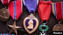 نمونه یک مدال «پرپل هارت»