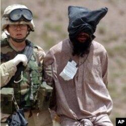 Terrorista da al-Qaeda capturado pelos Estados Unidos no Afeganistão. Com a morte de Osama bin Laden, o Iémen poderá ser o palco principal da luta contra o terrorismo.