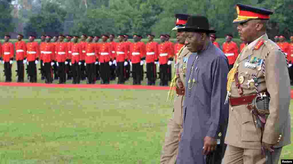 Shugaba Goodluck Jonathan Ya Gana Da Shugaba Uhuru Kenyatta.