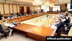د پاکستان حکومت له دې وړاندې رجسټرډ افغان کډوالو ته په ملک کې د روان کال د دسمبر د میاشتې ۳۱م نېټې پورې د پاتې کېدو وخت ورکړی ؤ .