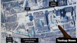 38노스웹사이트가 지난 3월 27일 공개한 북한 연변 핵시설의 디지털 글로브 위성사진. (자료사진)