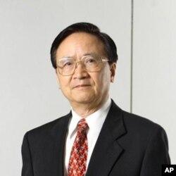 台灣政治大學金融學系教授殷乃平
