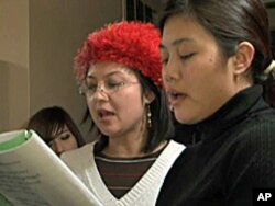 Burmese-Americans singing Christmas songs