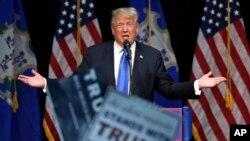 Connecticut'ta konuşan Donald Trump