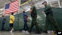 El 58% de los menores inmigrantes entrevistados por ACNUR dejaron sus países por situaciones que motivarían protección internacional