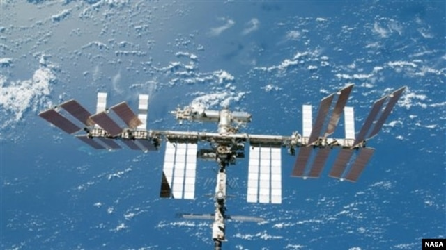 Communication systems were restored with the International Space Station after a nearly three-hour failure.