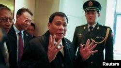 Tổng thống Philippines Rodrigo Duterte trong chuyến thăm Trung Quốc.