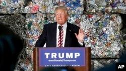 Ứng cử viên tổng thống đảng Cộng hòa Donald Trump phát biểu trong chiến dịch vận động tranh cử tại Monessen, Pennsylvania, ngày 28/6/2016.
