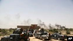 موضع گیری نیروهای فدرال عراق در نزدیکی فلوجه - ۲۸ مه ۲۰۱۶
