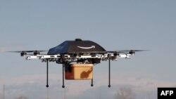 Le mini-drone d'Amazon, qui pourrait être éventuellement chargé de livrer des petits paquets pour le géant de la vente en ligne