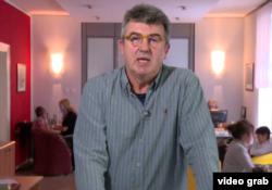 Vladimir Milić, direktor Produkcijske grupe Mreža, obaveštava gledaoce da je RTS nadalje neće emitovati emisiju TV Mreža, u Beogradu, 30. septembra 2019.