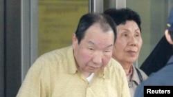 지난 1966년 일가족 4명을 살해한 혐의로 기소돼 1980년 사형 확정판결을 받았던 하카마다 이와오 씨가 법원의 재심 명령으로 27일 석방됐다.