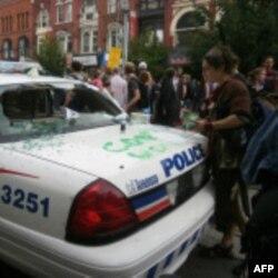 Протесты в Торонто: полиция применила слезоточивый газ