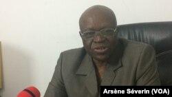 Serge Michel Odzoki, porte-parole du PCT au pouvoir, au Congo, le 31 juillet 2018. (VOA/Arsène Séverin)
