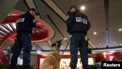 Egipto dice que si hubo terrorismo la falla estuvo en el aeropuerto Charles de Gaulle de París.
