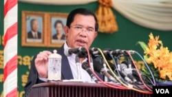 File Photo: Prime Minister Hun Sen speaks on Tuesday, September 20, 2016 during the inauguration of first-Japanese private hospital Sunrise in Phnom Penh's Chroy Changva district. ( Leng Len/VOA Khmer)
