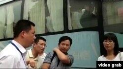 蘇州信訪官員與訪民辯論(視頻截圖)