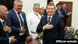 Mirziyoyev va korrupsiyaga botgan tizim