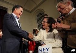 Romney battant campagne à Peterborough, New Hampshire le 4 janvier 2012