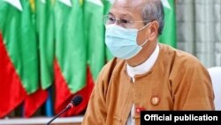 မေကြးတိုင္းဝန္ၾကီးခ်ဳပ္၊ NLD ပါတီ အတြင္းေရးမွဴး ၃ ေဒါက္တာ ေအာင္မိုးညိဳ။ (ဓာတ္ပံု - Dr. Aung Moe Nyo's Official Facebook)