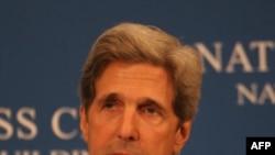 Thượng nghị sĩ Kerry nói với Thủ tướng Lebanon al-Hariri rằng ông hy vọng có được tiến bộ về những nỗ lực hòa bình trong những tuần tới