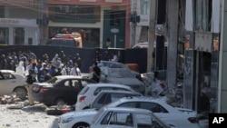 Cordão policial fecha área atacada