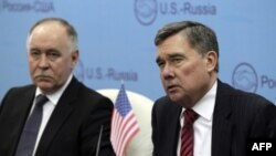 Виктор Иванов и глава Управления по борьбе с наркотиками США Гил Керликовске