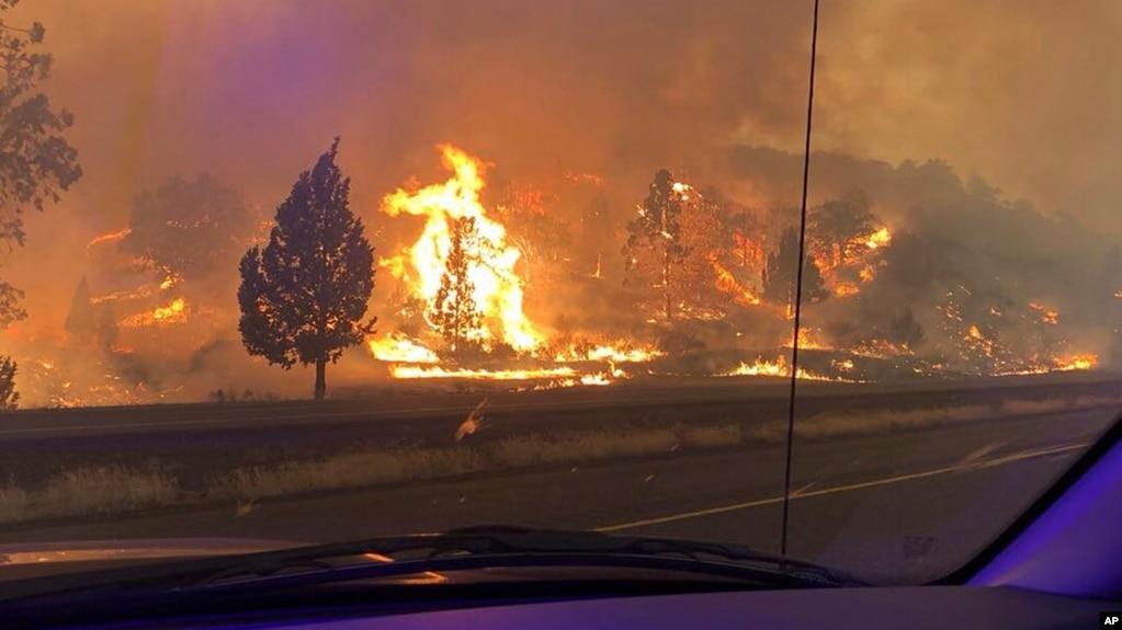 El incendio Klamathon en California se ha extendido a Oregon.