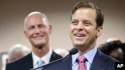 Carlos López Cantera fue juramentado como vicegobernador en Florida.