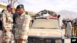 بلوچستان میں پولیس گاڑی پر حملے کے بعد کا منظر