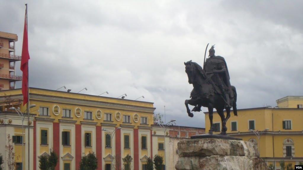 Tirana e shqetësuar nga qëndrimi i Presidentit maqedonas