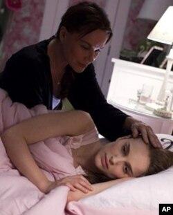 Natalie Portman in scene from BLACK SWAN.
