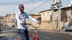 Moçambicanos de Alexandra reconstroem casas sem apoio do governo sul-africano