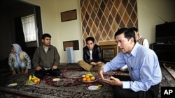 Afghan refugees gather at a house in a suburb of Adelaide, Australia. (file photo)