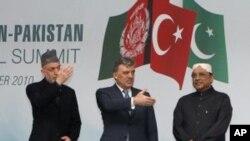 卡爾扎伊不介意土耳其調停塔利班衝突