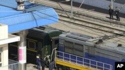 중국 지린성 창춘역에 북한 김정일 국방위원장이 중국 방문시 이용한 것으로 추정되는 전용열차가 정차해있다.