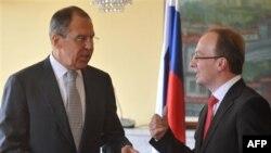 Слева направо: Сергей Лавров и Антонио Милососки.