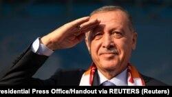 Ako uspe, uspe. Ako ne, smrvićemo teroriste dva sata pošto prekid vatre bude okončan: turski predsednik. tokom skupa un Kajseriju
