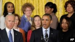Presiden Obama, didampingi Wapres Joe Biden, menyerukan Kongres AS segera mengambil langkah-langkah nyata untuk mengatasi kekerasan senjata api, Kamis (28/3).