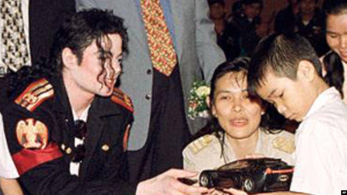 Michael Jackson-Heal the World