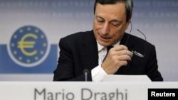 Thống đốc Ngân hàng Trung Ương Châu Âu Mario Draghi đã đưa ra một nhận định phấn khởi nhưng dè dặt về những tiến bộ mà các chính phủ Châu Âu đạt được để giải quyết các vấn đề tài chánh