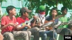 Anak-anak jalanan yang mendapat bantuan dari Hope 4 Our Children